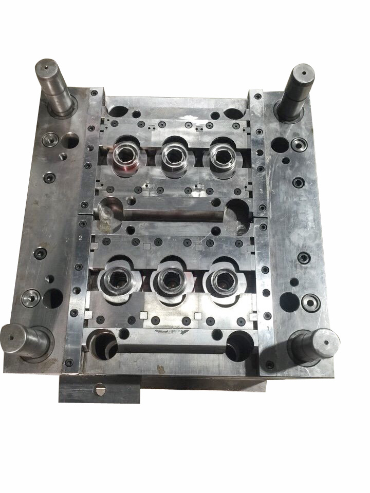 Plastic Injection Molds 003
